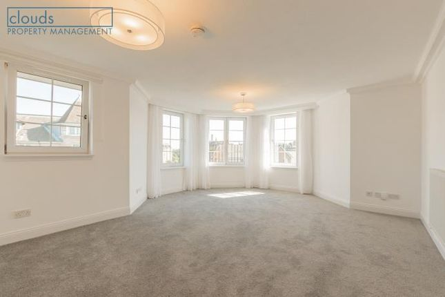 2 bed flat to rent in Powderhall Brae, Edinburgh EH7