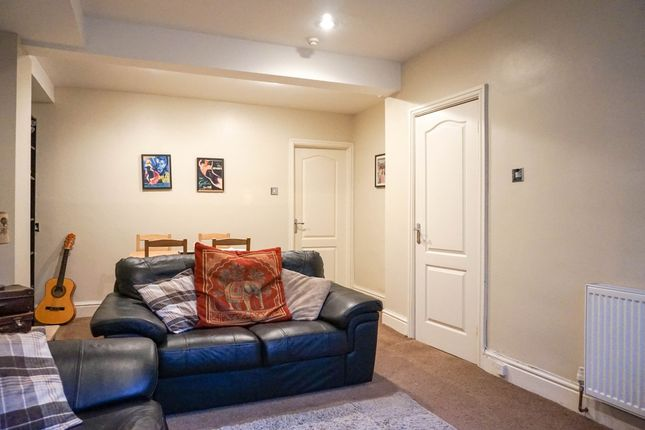 1 bed flat to rent in Woodland Lane, Leeds