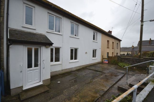 Thumbnail Flat to rent in Llanboidy, Whitland