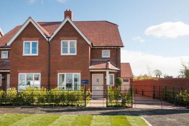 Thumbnail Property to rent in William Morris Way, Tadpole Garden Village, Swindon
