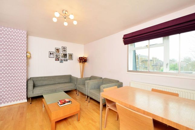 Thumbnail Flat to rent in Gumley Gardens, Isleworth