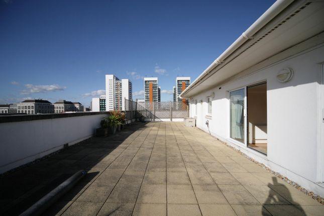 3 bed flat to rent in Adventurers Court, 12 Newport Avenue, London