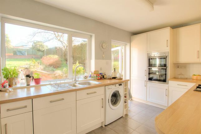 Thumbnail Semi-detached house to rent in Browns Springs, Potten End, Berkhamsted