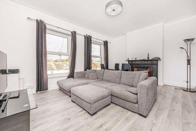 Thumbnail Flat to rent in Garratt Lane, London