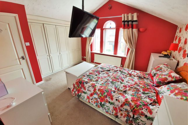 Master Bedroom of Little Meer Close, Leicester LE3