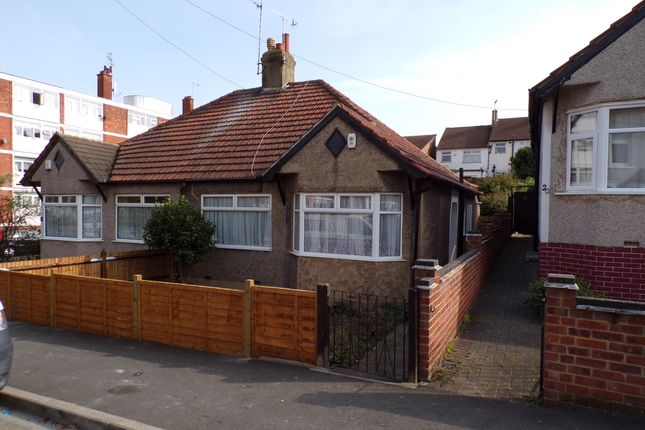 Thumbnail Bungalow to rent in Gertrude Road, Belvedere