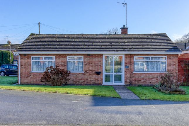 3 bed detached bungalow for sale in The Newlands, Studley B80