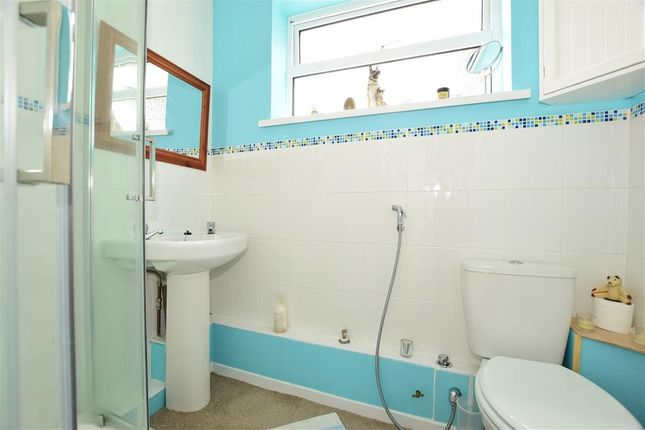 Shower Room of Cockleton Lane, Cowes, Isle Of Wight PO31