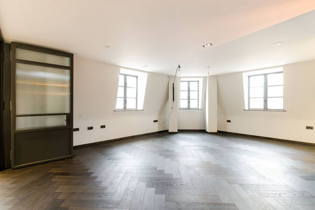 Thumbnail Flat for sale in Poland Street, Soho