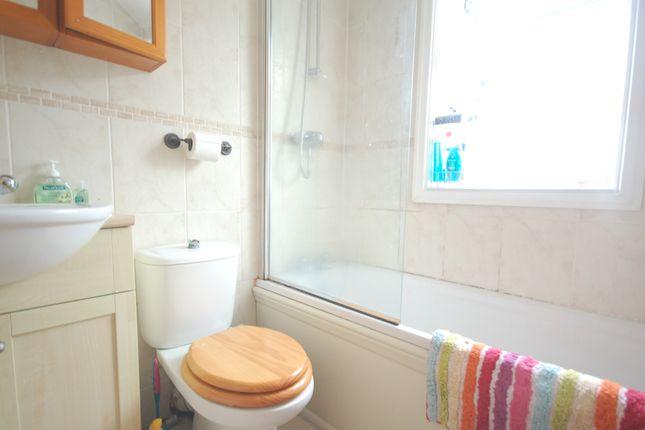 Bathroom of Pedders Lane, Blackpool FY4