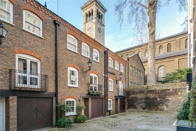 3 bed mews house for sale in Rutland Gate Mews, London SW7