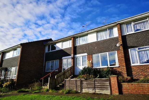 Thumbnail Property to rent in Sandcroft Avenue, Ryde