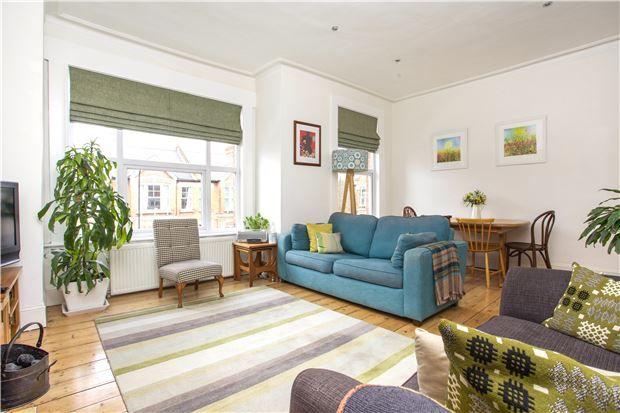 Thumbnail Maisonette for sale in Midmoor Road, London