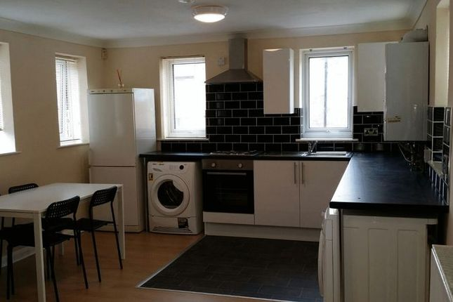 3 bed flat to rent in Chard Street, Nottingham