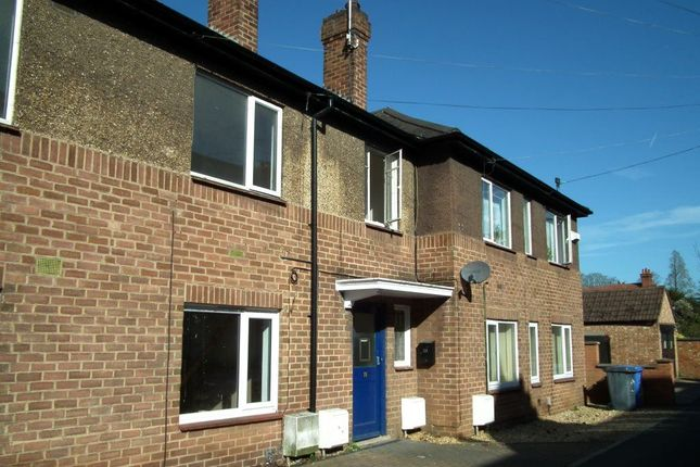 2 bed flat to rent in Bowling Green Avenue, Kettering