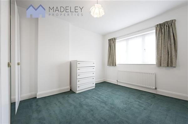 Thumbnail Property to rent in Princes Avenue, London