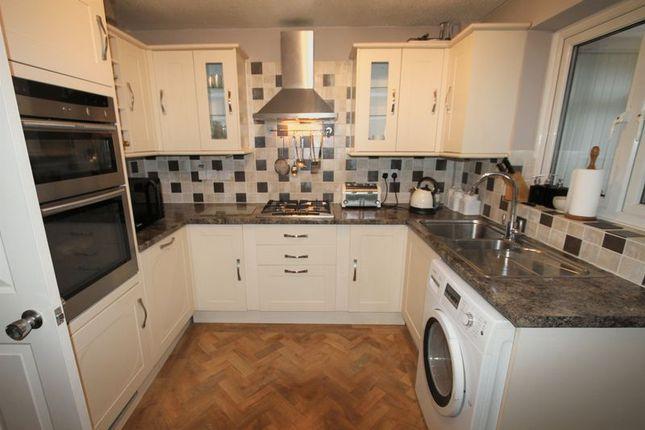 Thumbnail Detached house to rent in Oakmere Drive, Great Sutton, Ellesmere Port