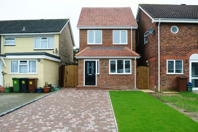 Thumbnail Detached house for sale in Hyperion Place, Epsom