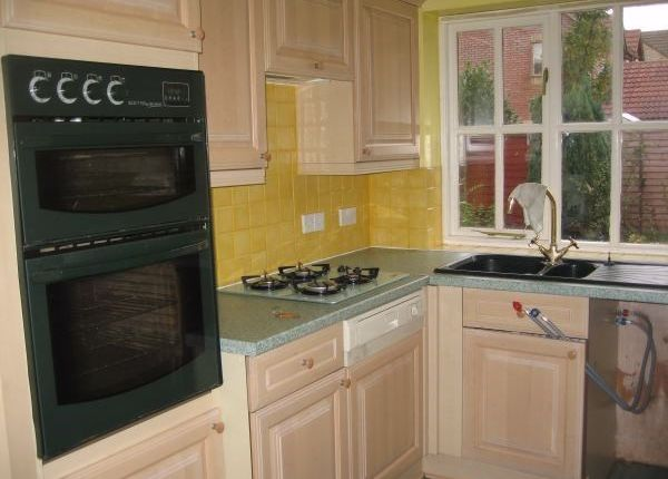 3 bed end terrace house to rent in Long Croft, Yate, Bristol BS37