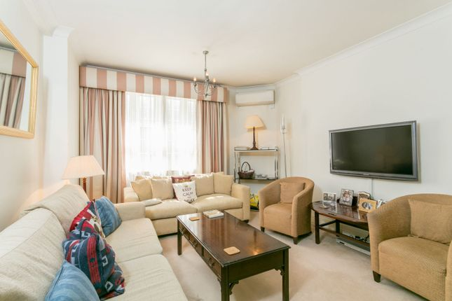 2 bed flat for sale in Princes Court, Brompton Road, London