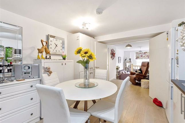 Thumbnail Flat for sale in Lime Street, Bedford