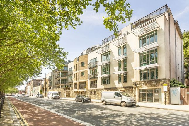 Thumbnail Flat for sale in Hotwell Road, Bristol