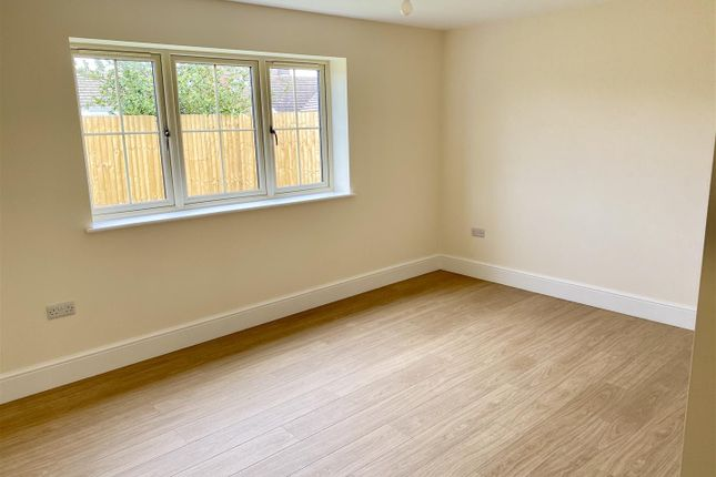 Bedroom 1 of Kirtons Lane, Long Bennington, Newark NG23