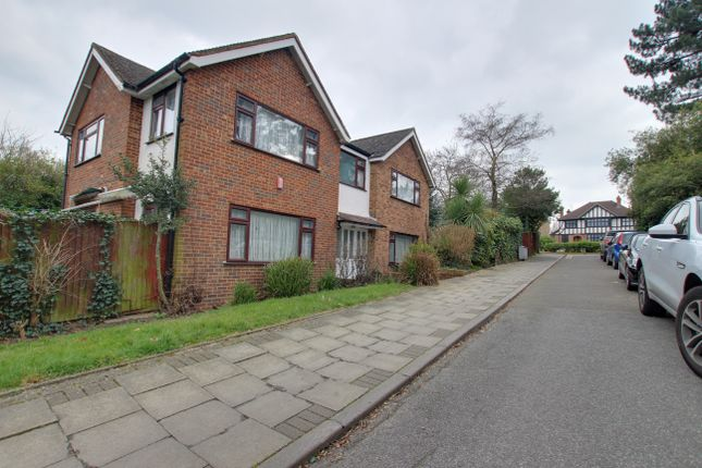 Thumbnail Detached house to rent in Green Close, Bromley