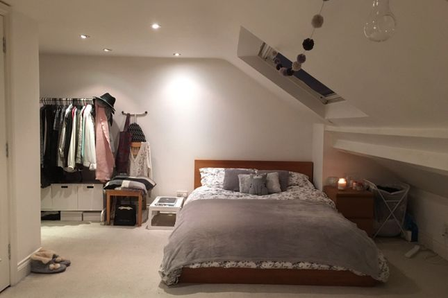 Room to rent in Gipsy Road, London
