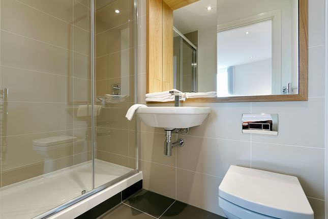 En-Suite of Admirals Tower, 8 Dowells Street, New Capital Quay, Greenwich, London SE10