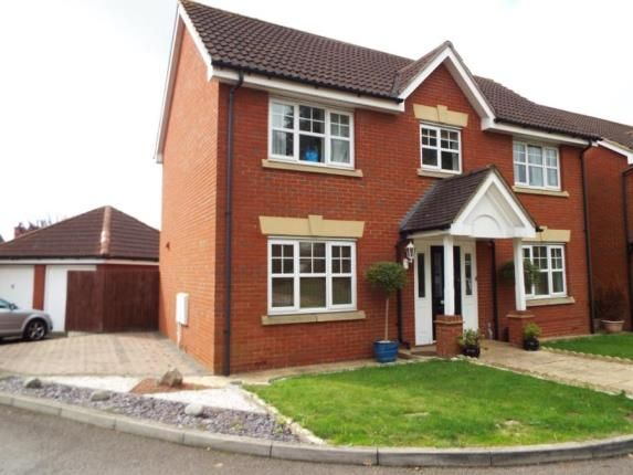 Thumbnail Detached house for sale in Hainault, Essex