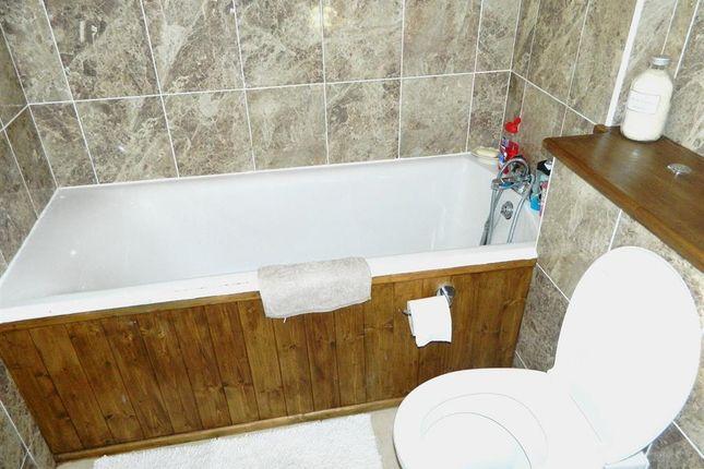 Bathroom of Chatsworth Road, Dartford DA1