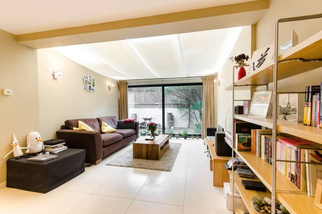Flat to rent in West Hill, West Hill