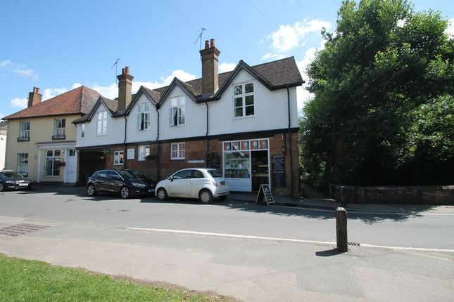 Thumbnail Flat to rent in Middle Street, Shere, Guildford