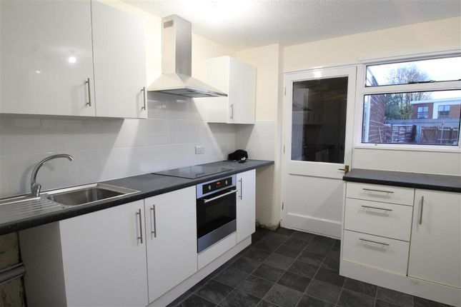 3 bed property to rent in Cleveland Road, Aylesbury HP20