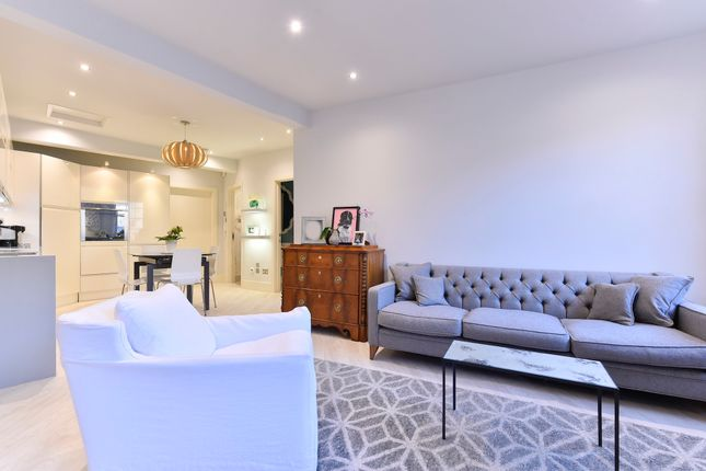 Thumbnail Duplex to rent in Causton Street, London