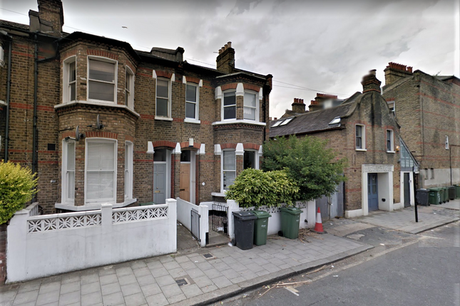 Thumbnail Terraced house to rent in Hubert Grove, Clapham North