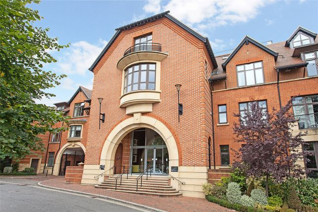 Thumbnail Flat to rent in Perpetual House, Station Road, Henley-On-Thames, Oxfordshire
