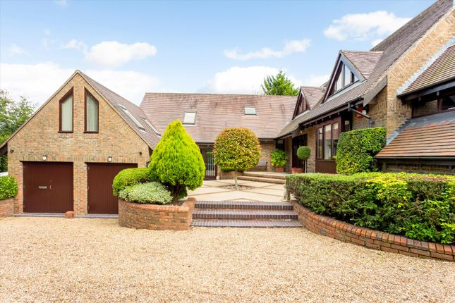 4 bed detached house for sale in Petersfield Road, Ropley, Alresford, Hampshire SO24