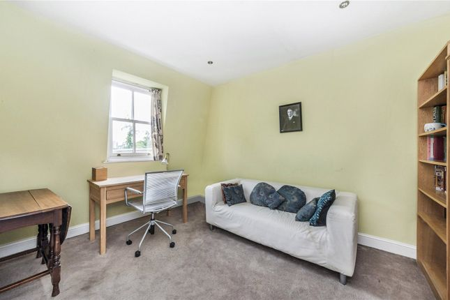 Bedroom/Studio of Stratford Villas, Camden, London NW1