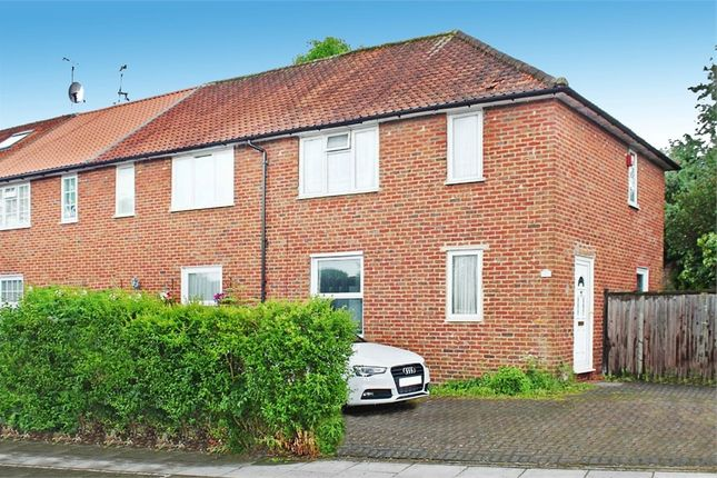 Thumbnail Detached house to rent in Barnfield Road, Burnt Oak, Edgware