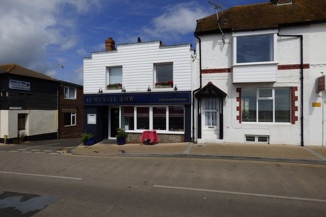 Thumbnail Terraced house to rent in Pier Road, Littlehampton