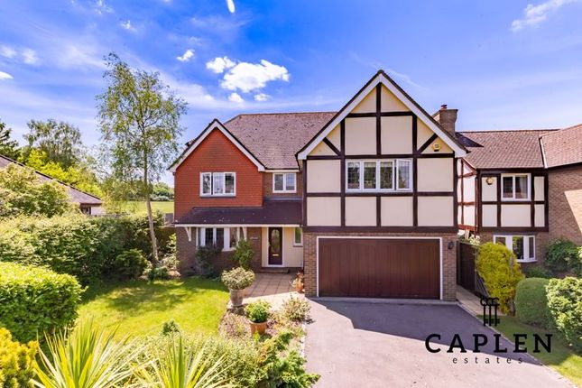 5 bed detached house for sale in Oak Hill Road, Stapleford Abbotts, Romford RM4