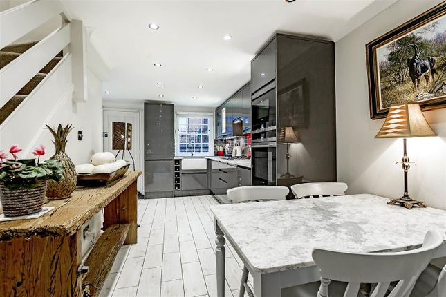 Thumbnail Cottage for sale in Haygarth Place, London
