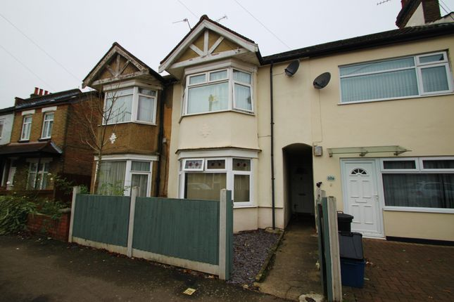 1 bed flat to rent in Gainsborough Road, Woodford Green IG8