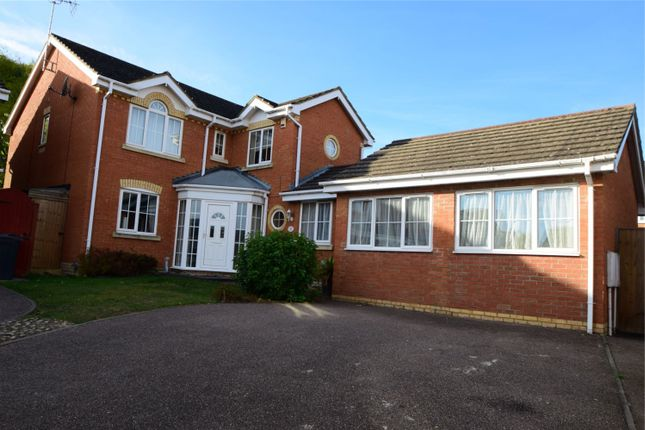 Thumbnail Detached house for sale in Jackdaw Close, Poplars, Stevenage, Hertfordshire