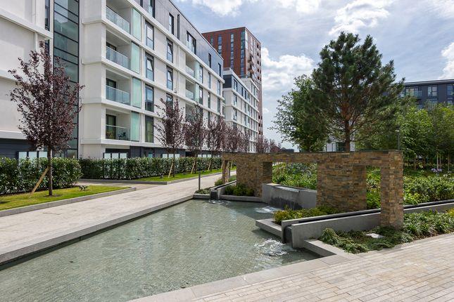 Thumbnail Flat to rent in Vauxhall SW8, Vauxhall Development,