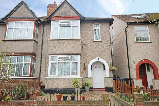 Thumbnail Semi-detached house for sale in Beresford Avenue, London