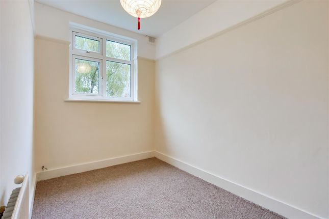 6_Bedroom 2-0 of Westminster Close, Ilford IG6