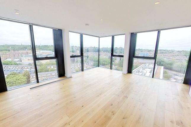 Thumbnail Duplex to rent in Highgate Hill, London